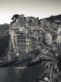 Riomaggiore, Cinque Terre, Riviera Di Levante, Liguria, Italy Fotodruck von Jon Arnold