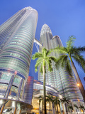 Low Angle View of the Petronas Twin Towers, Kuala Lumpur, Malaysia Photographic Print by Gavin Hellier