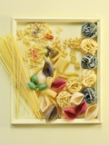Various Types of Pasta in a Picture Frame Fotografisk tryk af Ulrike Koeb