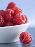 Raspberries in a Small Bowl Photographic Print by Franck Bichon