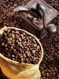 Coffee Beans in Sack and in Old Coffee Mill Fotografisk trykk av Dieter Heinemann