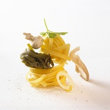 Ingredients for Tagliatelle with Mushrooms and Herbs Fotografisk tryk af Jo Kirchherr
