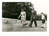 Queen Elizabeith and Family on Lawn Art