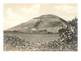 Pyramid of the Sun, Teotihuacan Prints