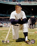 Mickey Mantle - 7 Kneeling Photo