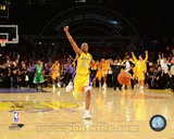 Kobe Bryant Celebrating as Lakers win 2010 NBA Finals (20) Photo