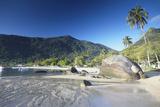 Vila do Abraao Beach, Ilha Grande, Rio de Janeiro State, Brazil, South America Reproduction photographique par Ian Trower