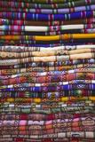 Colourful Blankets in Witches' Market, La Paz, Bolivia, South America Lámina fotográfica por Ian Trower