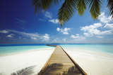 Wooden Jetty Out to Tropical Sea, Maldives, Indian Ocean, Asia Stampa fotografica di Sakis Papadopoulos