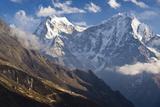 Thamserku and Kantega, Dudh Kosi Valley, Solu Khumbu (Everest) Region, Nepal Fotografisk tryk af Ben Pipe