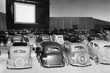 Drive-in cinema in America, 1938 Photographic Print by  Scherl