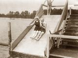 Wiener beim Baden, 1910 Fotodruck von  Scherl