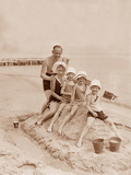 Family vacation at the beach on the Baltic Sea, 1930 Reproduction photographique par  Scherl