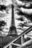 Torre Eiffel y puente Rouelle, París, Francia Lámina fotográfica por Philippe Hugonnard