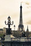 Torre Eiffel romantica, Parigi, Francia Stampa fotografica di Philippe Hugonnard
