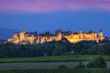La Cite Carcassonne, Fortified Medieval Town, Languedoc-Roussillon, France Fotodruck von Brian Jannsen