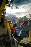 Prayer Flags on Summit of Gokyo Ri, Everest Region, Mt Everest, Nepal Fotografie-Druck von David Noyes