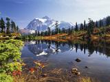 Mt Shuksan with Picture Lake, Mt Baker National Recreation Area, Washington, USA Papier Photo par Stuart Westmorland