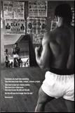 Muhammad Ali en el gimnasio Lámina montada en tabla