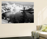 Snow-Covered Mountains with Crater Lake, Crater Lake National Park, Oregon, USA Plakater af Paul Souders