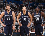Oklahoma City, OK - May 15: Marc Gasol, Tayshaun Prince and Zach Randolph Photo af Joe Murphy