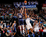 Dallas, TX - January 18: Kevin Durant and Vince Carter Photo by Glenn James