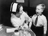 A Nurse Examining the Teeth of a Boy in New York, NY , Ca, 1935 Photographie