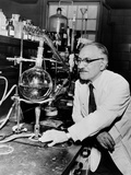 Dr. Selman Waksman, Discovery of Streptomycin to Treat Tuberculosis, 1953 Photo