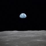 Apollo 11 Earth Rise over the Moon, July 20, 1969 写真