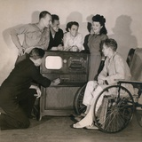 World War II Wounded Explore the New Radio-Television at U.S. Naval Hospital Photo