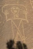Native American Petroglyph of a Human Figure in Lobo Canyon, Cebolla Wilderness, New Mexico Lámina fotográfica