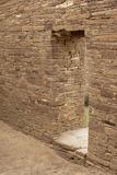 Doorway Inside Pueblo Bonito, an Anasazi/Ancestral Puebloan Site in Chaco Canyon, New Mexico Lámina fotográfica