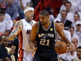 Miami, FL - June 20: Tim Duncan and Chris Andersen Photographic Print by Mike Ehrmann