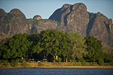 A View of the Lugenda Wilderness Camp in the Niassa Reserve Fotografisk tryk af Jad Davenport