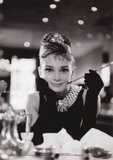 Audrey Hepburn (Breakfast At Tiffanys B&W) Posters