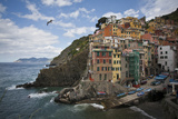 Riomaggiore Perched on An Outcrop Above the Sea Photographie par Matt Propert