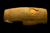 The Cyrus Cylinder, 6th Century BC, the First Declaration of Human Rights Impressão fotográfica por Babak Tafreshi