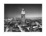 Empire State Building de nuit Affiches par Henri Silberman