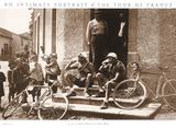 Pauze, foto van pauzerende wielrenners met Engelse tekst: Intimate Portait of the Tour de France Kunst
