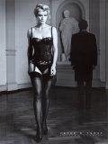 Danielle im schwarzen Dessus Plakaty autor Peter Furst