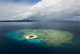 Coral Reefs and Islets Off Nadi Island Fotografisk tryk af Mattias Klum