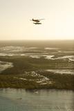 A PA18 Super Cub Floatplane Exploring Cat Island Reproduction photographique par Jad Davenport