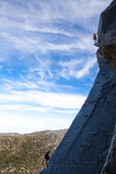 A Climber on Traitor Horn with His Belayer Far Below Photographie par Ben Horton
