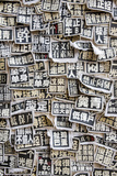 A Wall of Cloth Patches with Political Slogans Written in Chinese Fotografisk tryk af Jonathan Kingston