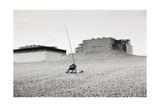 Sleeping Fisherman Dungeness 1974 Impression giclée par Fay Godwin