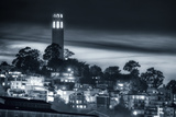Coit Tower, Early Evening Fotografisk tryk af Vincent James