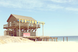 Funtown Pier Sign And Beach in Seaside Heights, NJ, Damaged by Hurricane Sandy. Fotografisk tryk af Jena Ardell