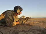 A Combat Rescue Officer Provides Security, Djibouti Fotografisk tryk af Stocktrek Images
