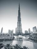 Burj Khalifa (World's Tallest Building), Downtown, Dubai, United Arab Emirates Reproduction photographique par Jon Arnold