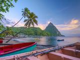 Alan Copson - Caribbean, St Lucia, Soufriere Bay, Soufriere Beach and Petit Piton, Traditional Fishing Boats - Fotografik Baskı
